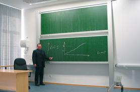 Tablica akademicka niezależna zielona do kredy, magnetyczna, ceramiczna P3 100x400 cm